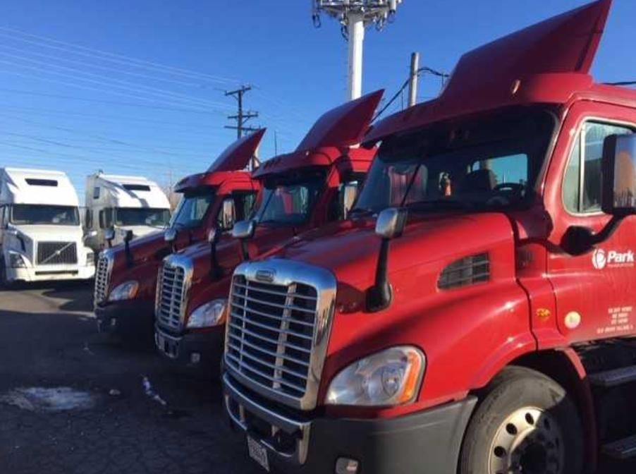 LP Chicago Trucks